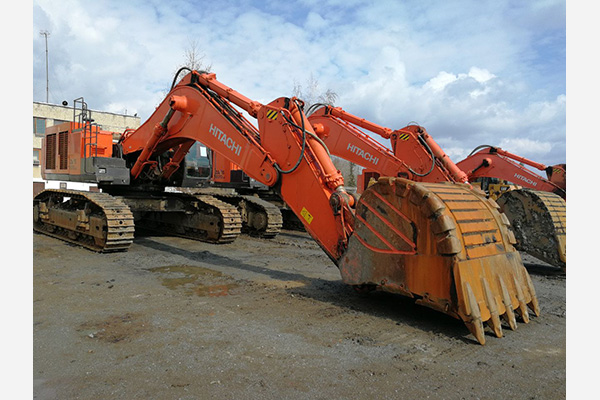 small_02_bu-ehkskavator-hitachi-870-09