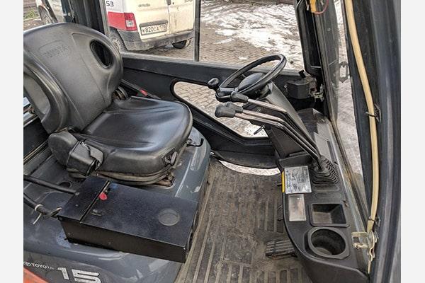 Вилочный погрузчик Toyota 8FG15, 2011 год.