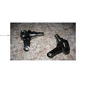 Кулак поворотный левый, правый к погрузчикам  40014-FK000, 40014-FK100